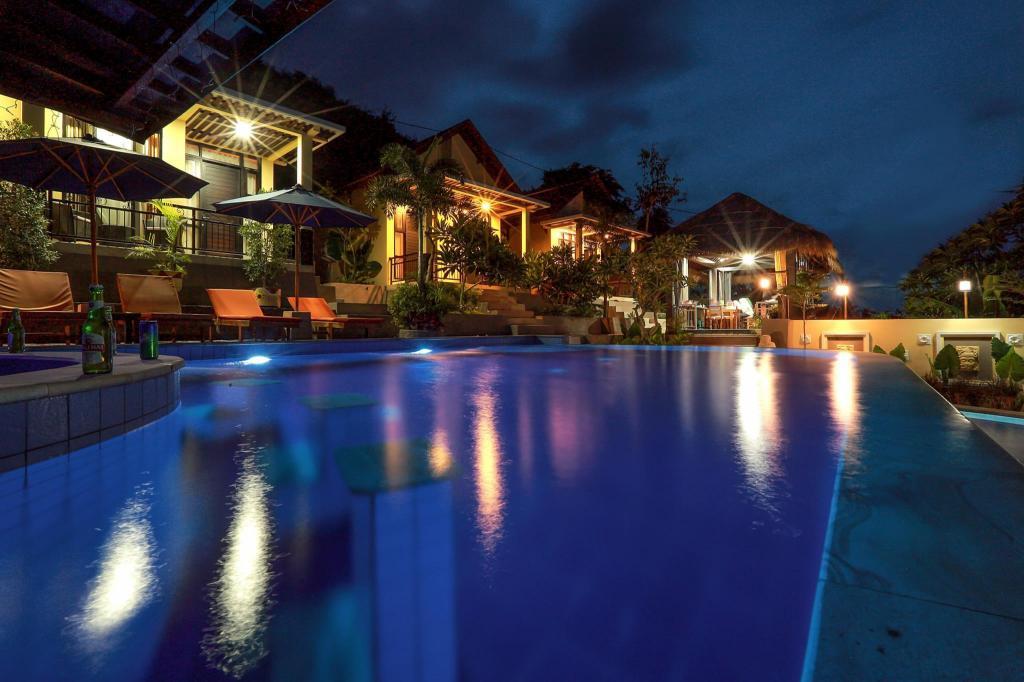 Fasilitas kolam renang di Nipah Pool Villas and Restaurant
