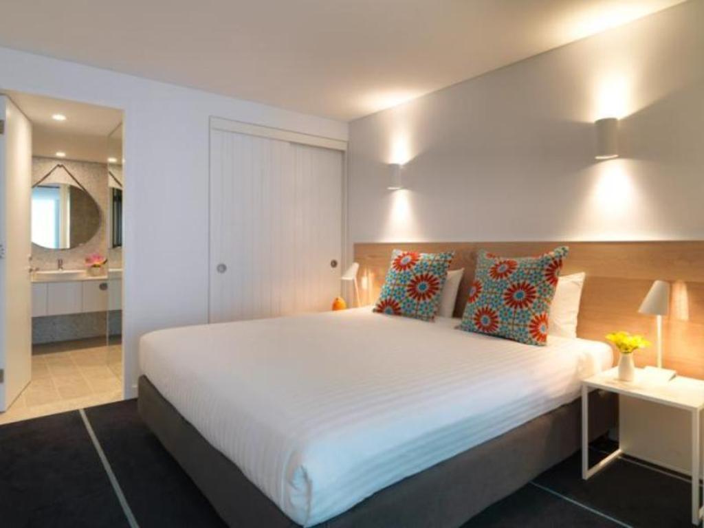 Best Price on Adina Apartment Hotel Bondi Beach Sydney in ...