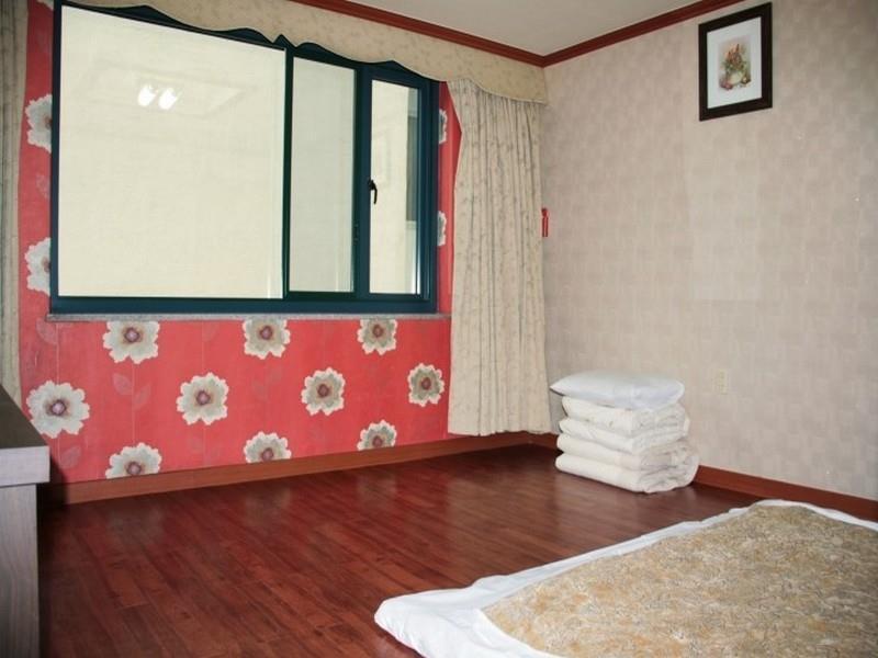 KAL Motel, Muan