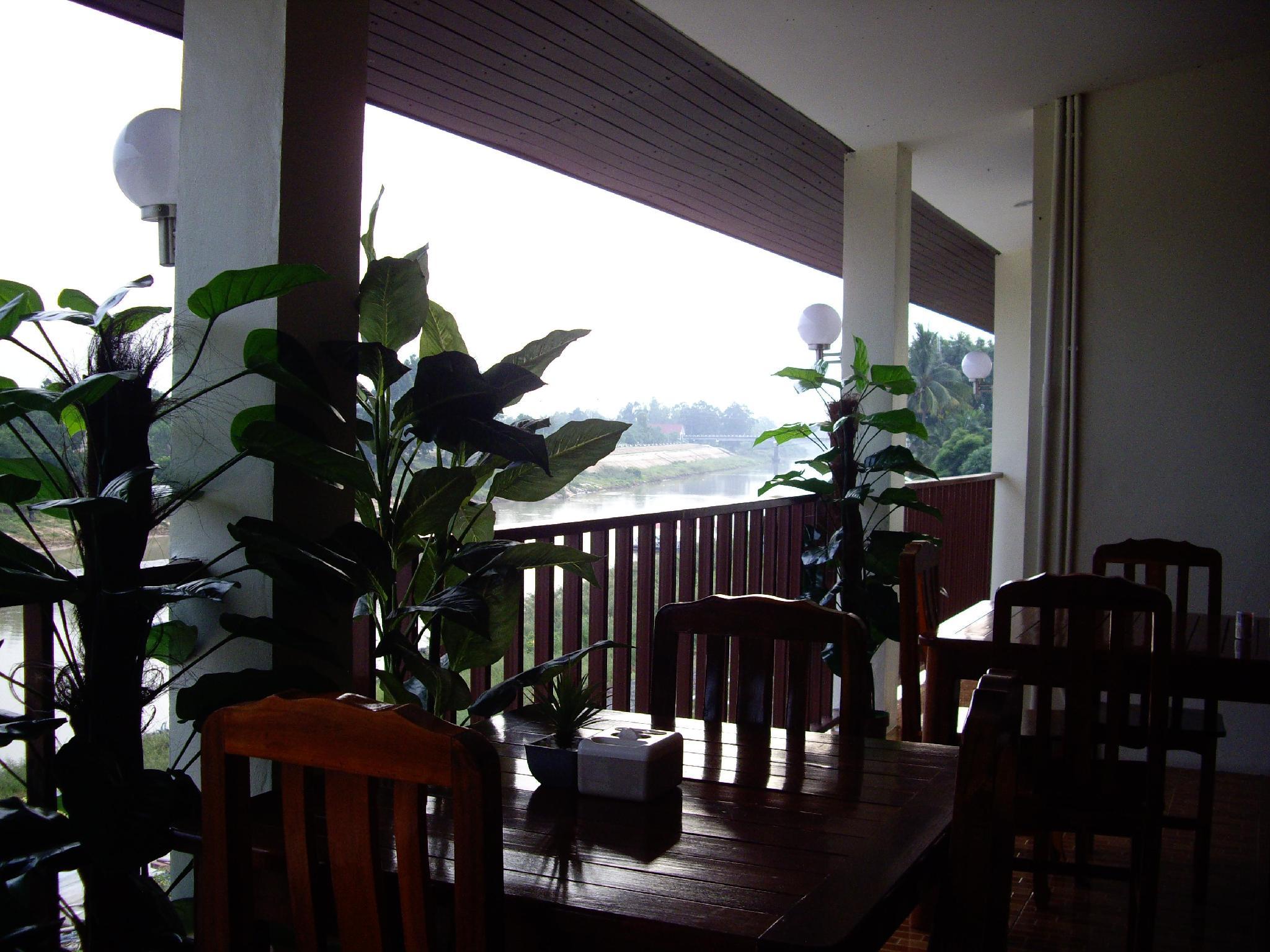 Srithongkul Riverside Hotel, Tha Tum