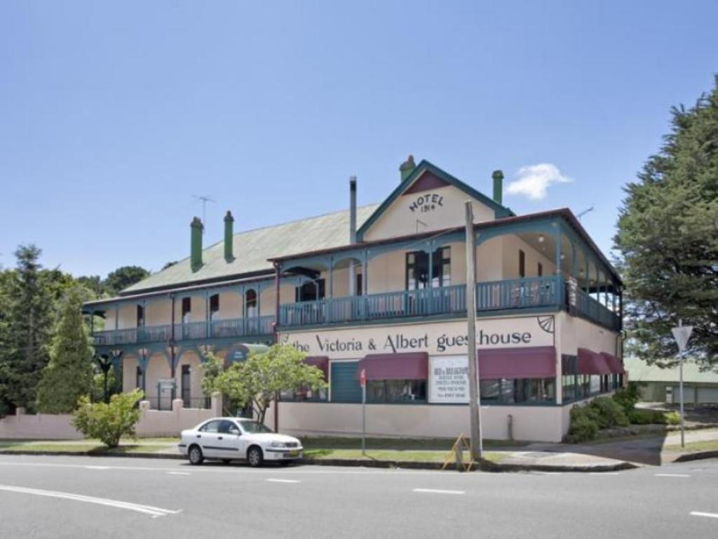 Best price on the victoria albert guesthouse in blue for Guest house on the mount reviews