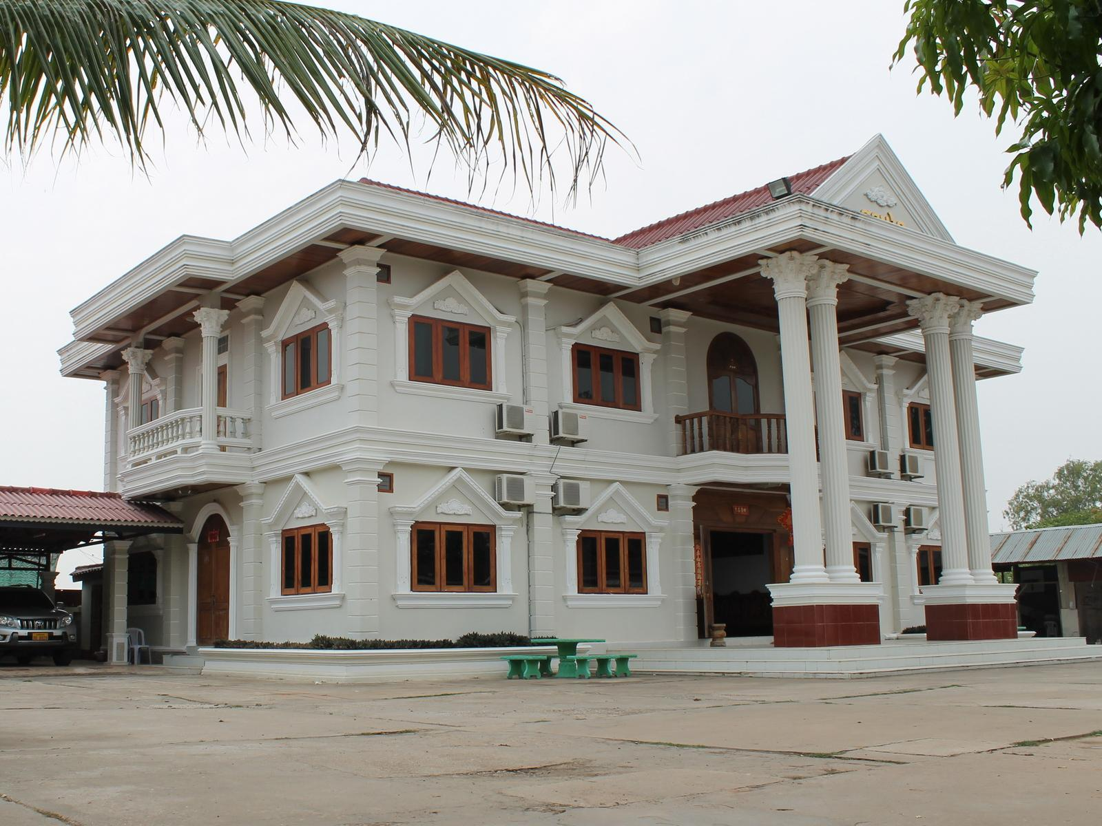 Sonsay Hotel, Outhoomphone