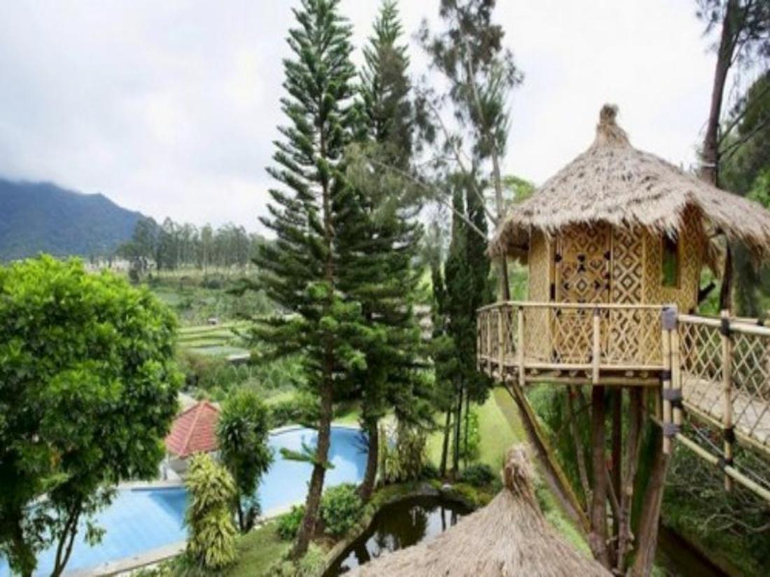 Best Price on Private Villa Bambu - Villa Istana Bunga ...