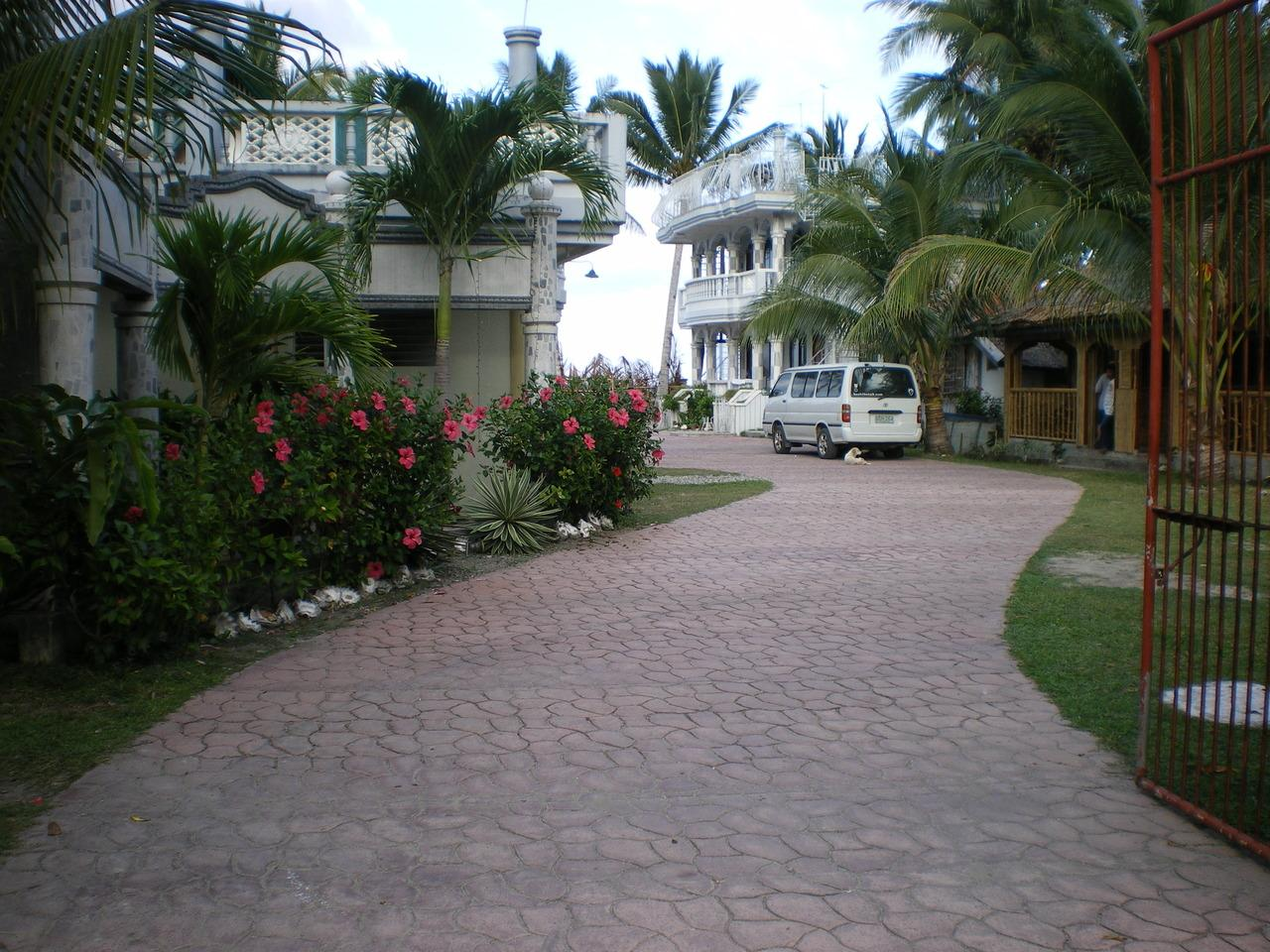 The Wave Beach Resort, Tangalan