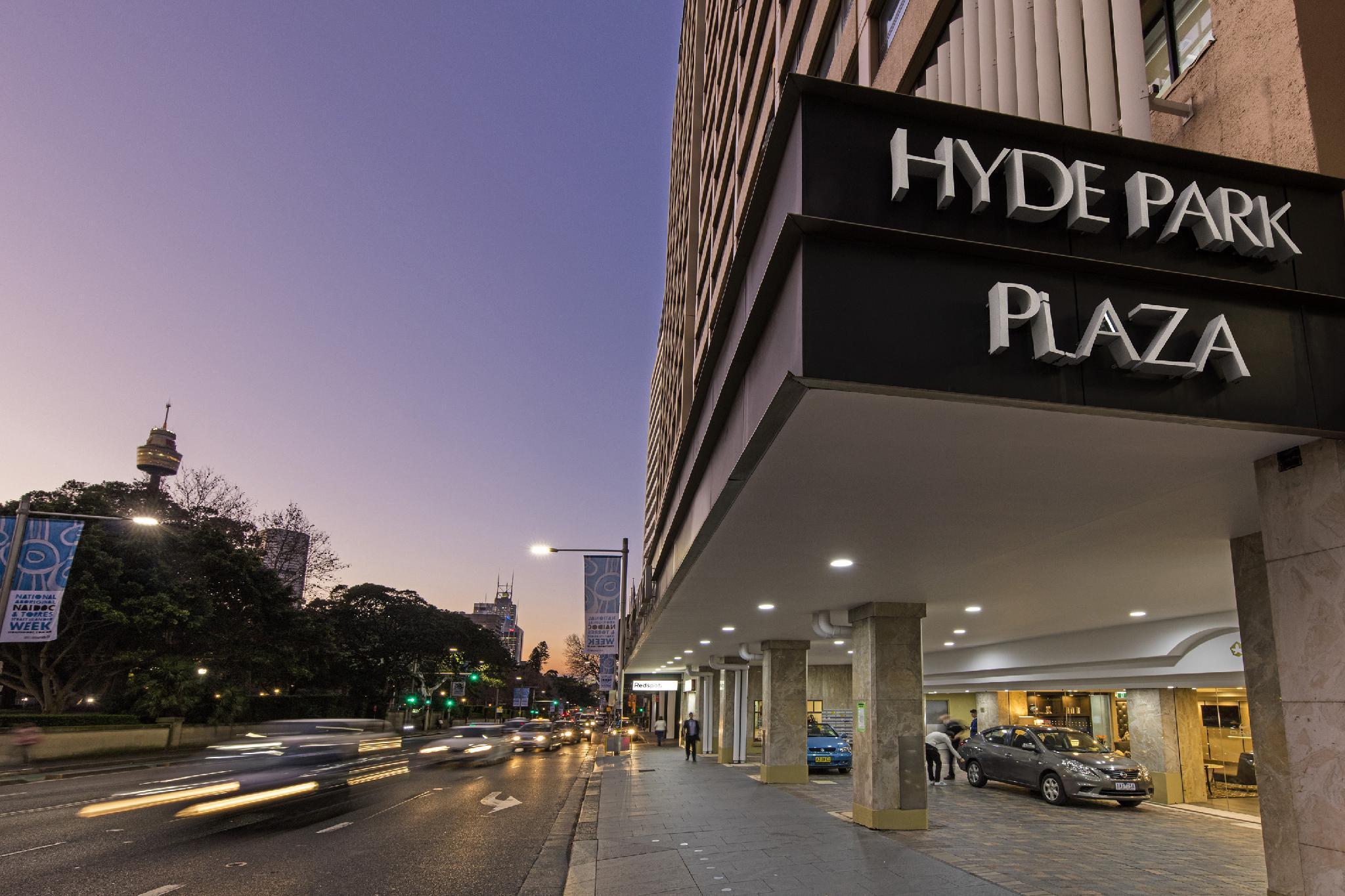 Oaks Hyde Park Plaza Hotel