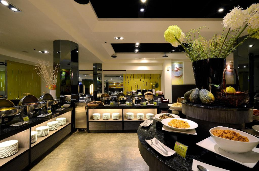 Where to Stay in Kaohsiung - Holiday Garden Hotel