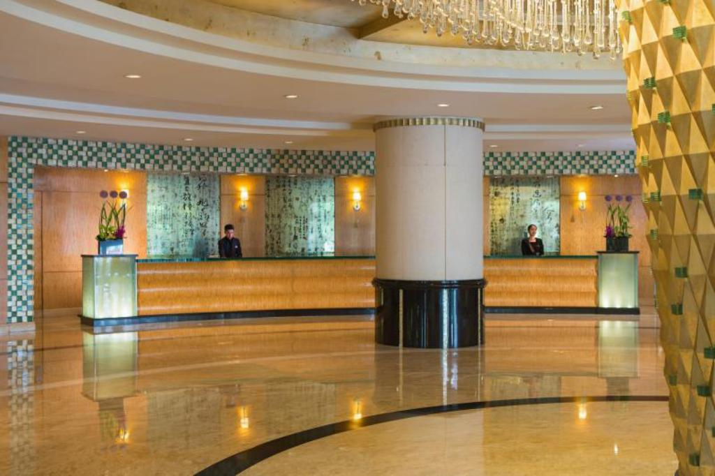 Best Price on Renaissance Shanghai Pudong Hotel in