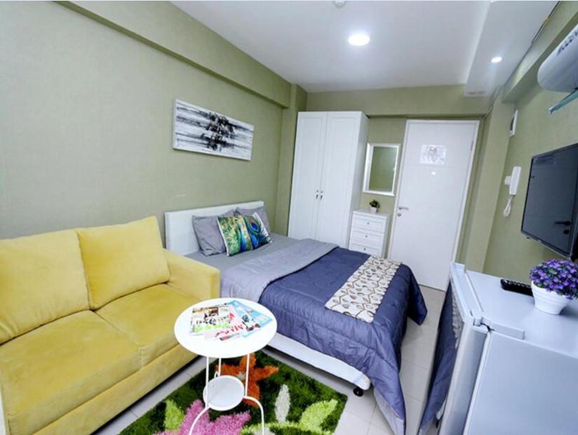 Bassura City Apartment by Roomku - Studio Unit 9