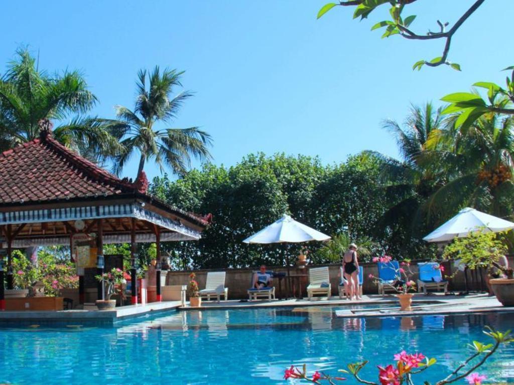 Best price on aditya lovina beach resort in bali reviews for Best beach hotels in bali