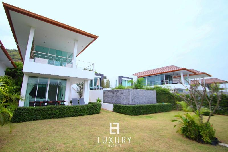 Phu Montra villa with ocean view A4