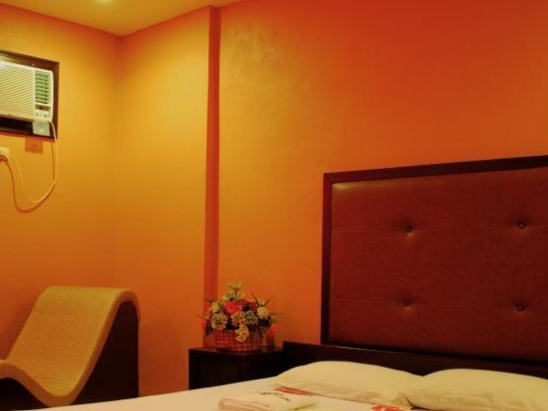 Best Price on Hotel Carmelita in Tuguegarao City + Reviews!