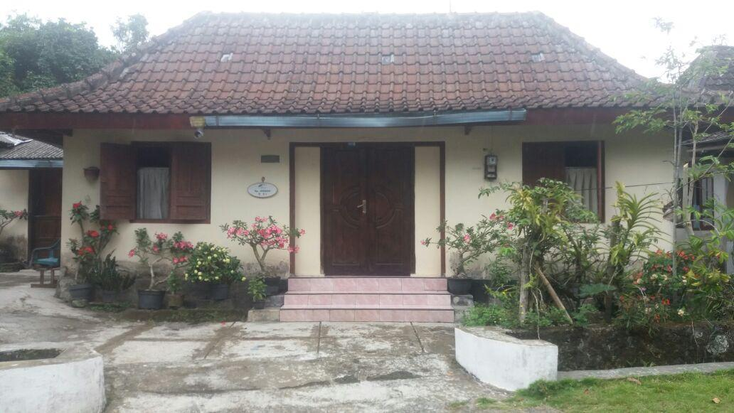 Simple Room with shared bathroom - Homestay 25