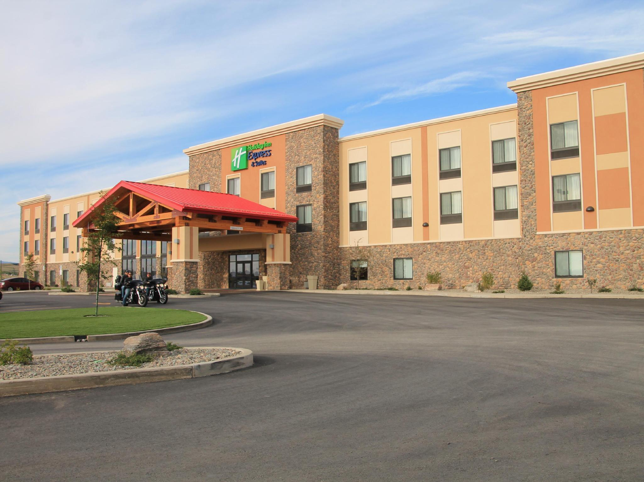Holiday Inn Express and Suites Browning, Glacier
