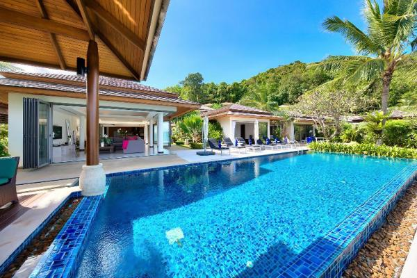Dhevatara Residence Villa 2 -4 Bedroom, Beachfront Koh Samui