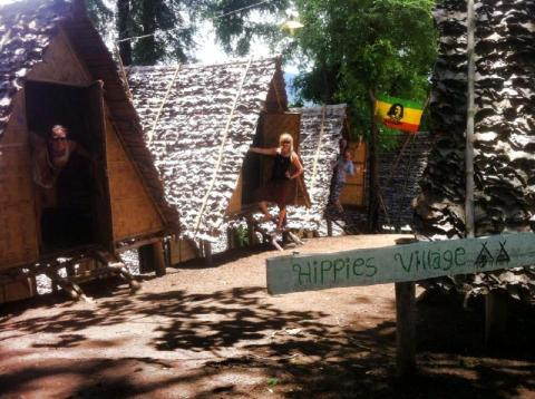 Hippies Village! Pai Circus School...