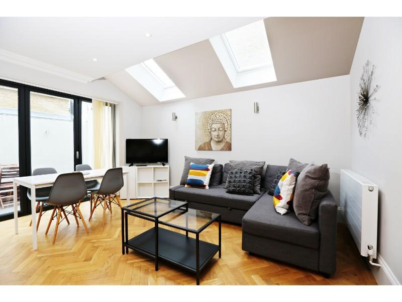 2 Bed Flat EARLS COURT-SK - A