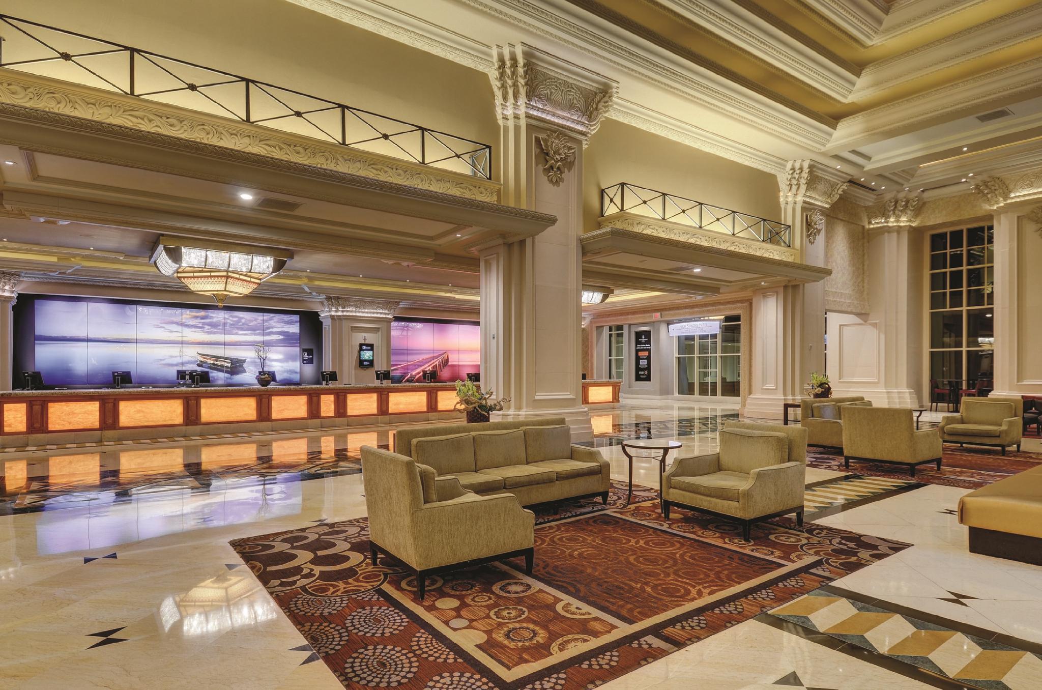Mandalay Bay Resort & Casino, Clark