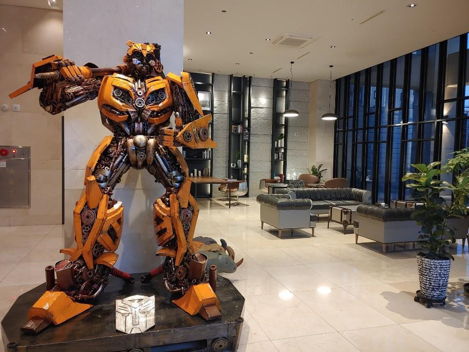 yeoubi hotel , Jung