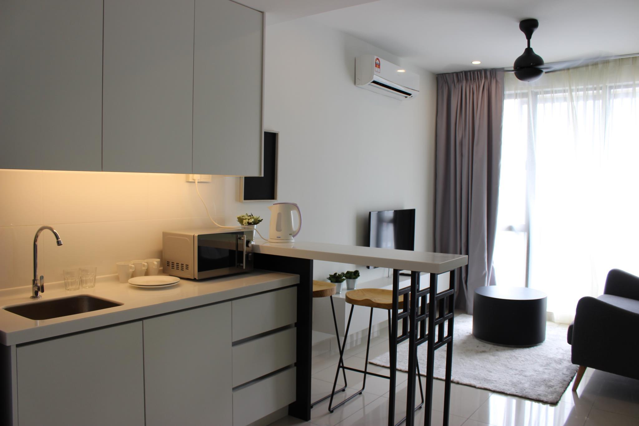 Stylishly Designed Studio within 50m from MRT