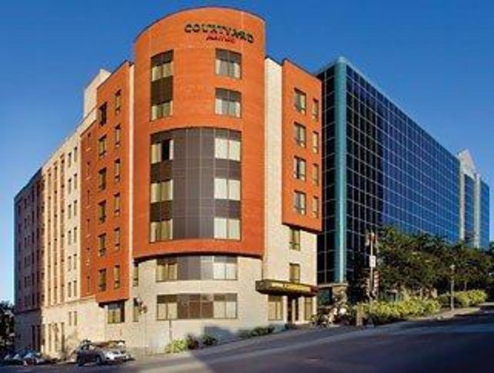 Best price on courtyard marriott quebec hotel in quebec for Hotels quebec