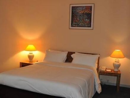 Hotel Mont Febe, Mfoundi
