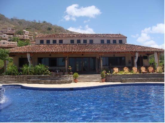 Villas de Palermo Hotel and Resort, Tola
