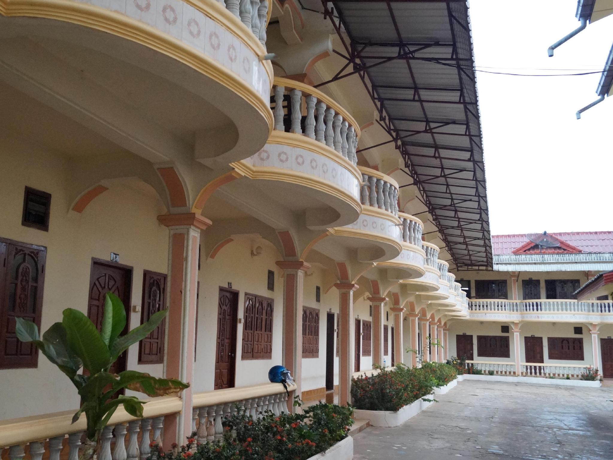 Hongsaykham Hotel, Paksane