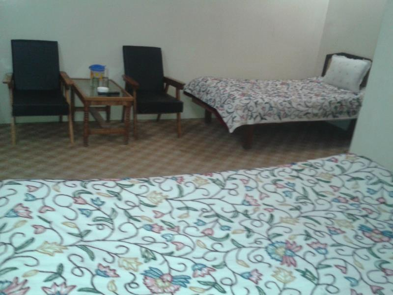 Hotel Bombay Palace, Anantnag