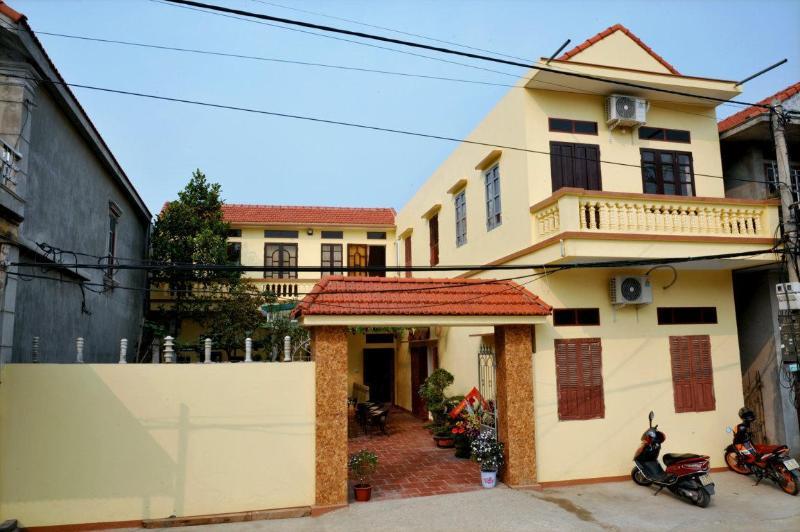 Nhà riêng 300 m² 6 phòng ngủ, 6 phòng tắm riêng ở Thị trấn Thiên Tôn
