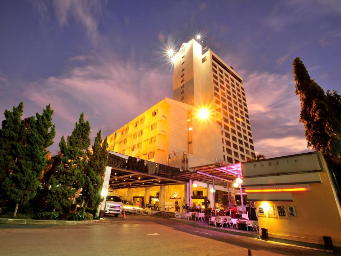 Best Price on Pornping Tower Hotel in Chiang Mai + Reviews