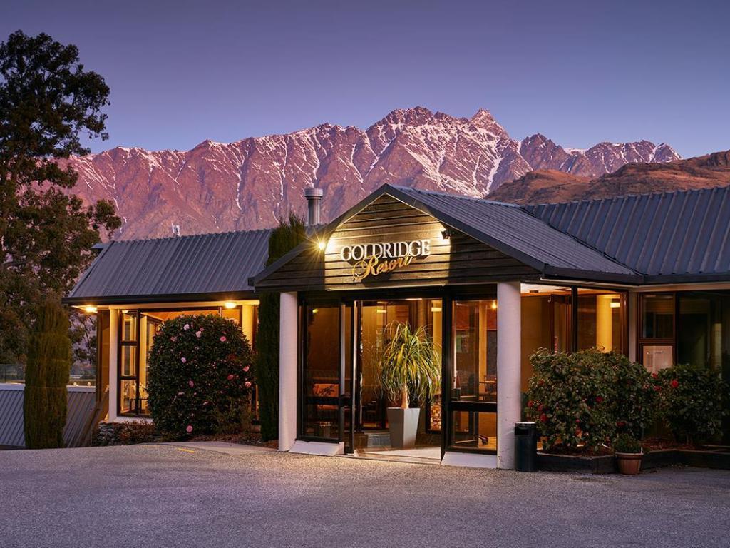 Best Price on Holiday Inn Queenstown Frankton oad in Queenstown + ... - ^