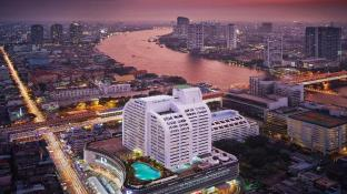 Centre Point Silom River View Hotel.