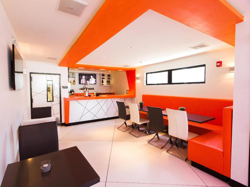 Best price on the moment hotel in los angeles ca reviews for Hotels 90028
