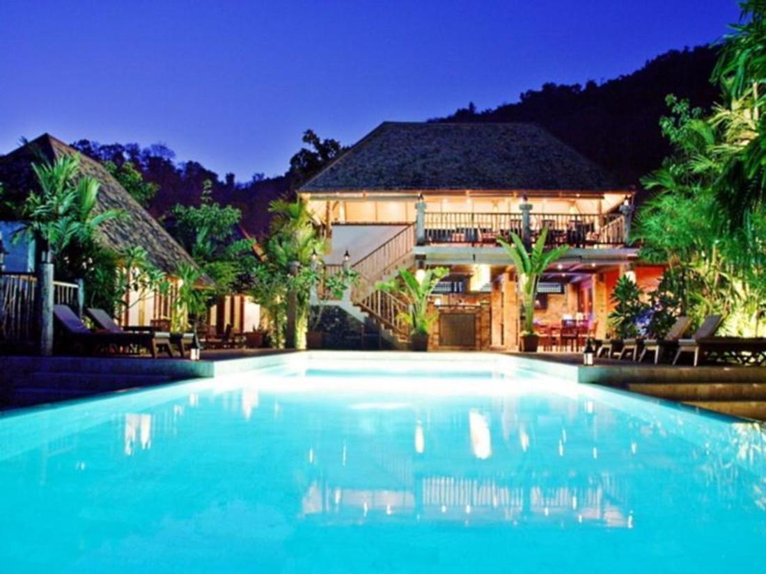 Best Price on The Cliff Aonang Resort in Krabi + Reviews