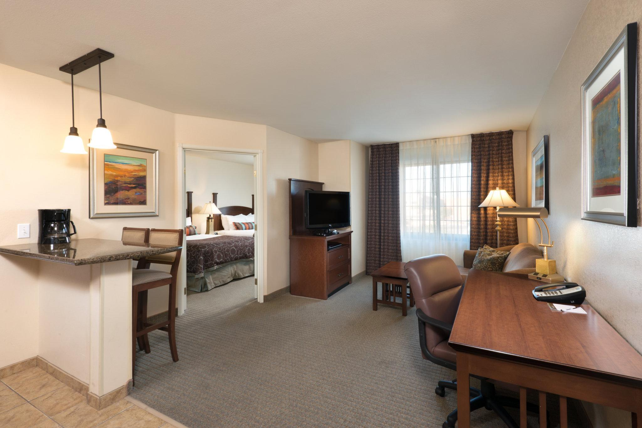 1-Bedroom Suite with 2 Double Beds