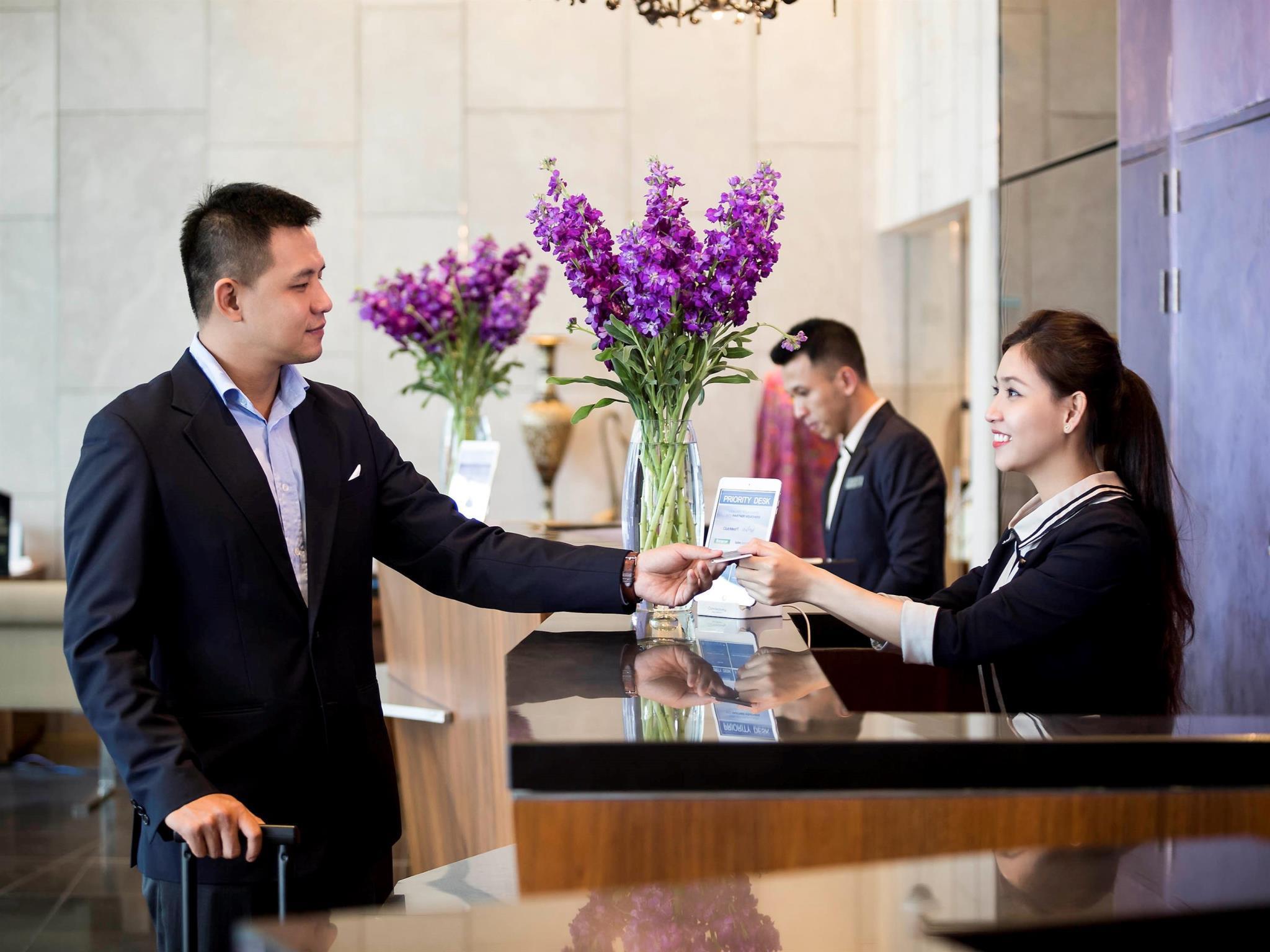 Khách Sạn Pullman Hồ Chí Minh