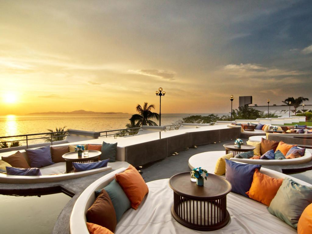 Best price on royal cliff beach terrace hotel by royal for The terrace group