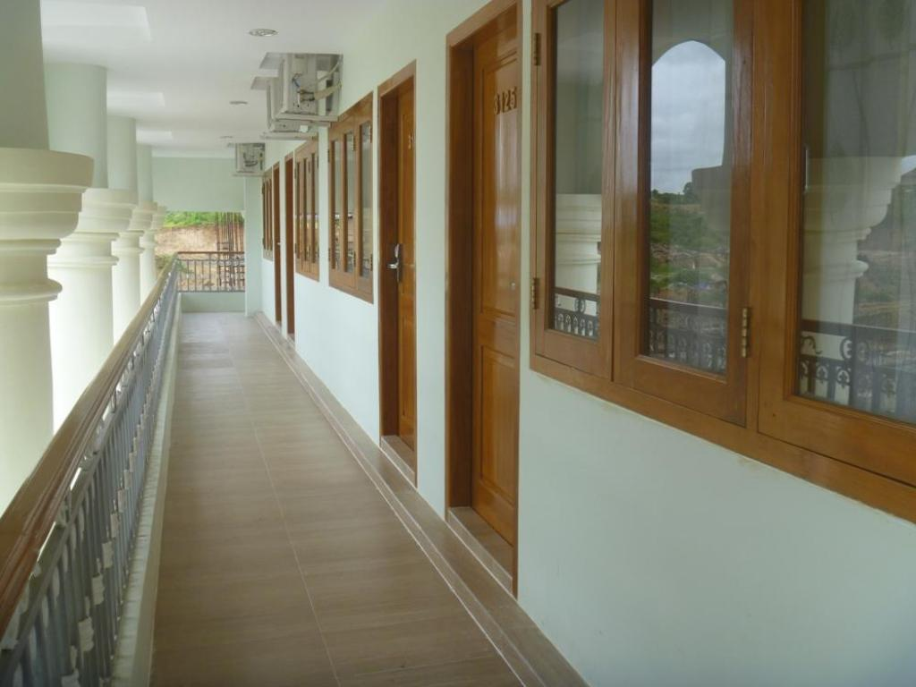 Best Price On Jade City Hotel In Nay Pyi Taw Reviews