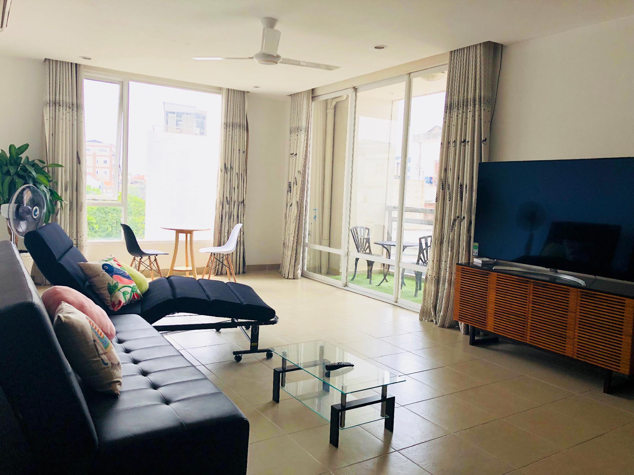 Cozy & Luxurious Getaway| Balcony View |District 1
