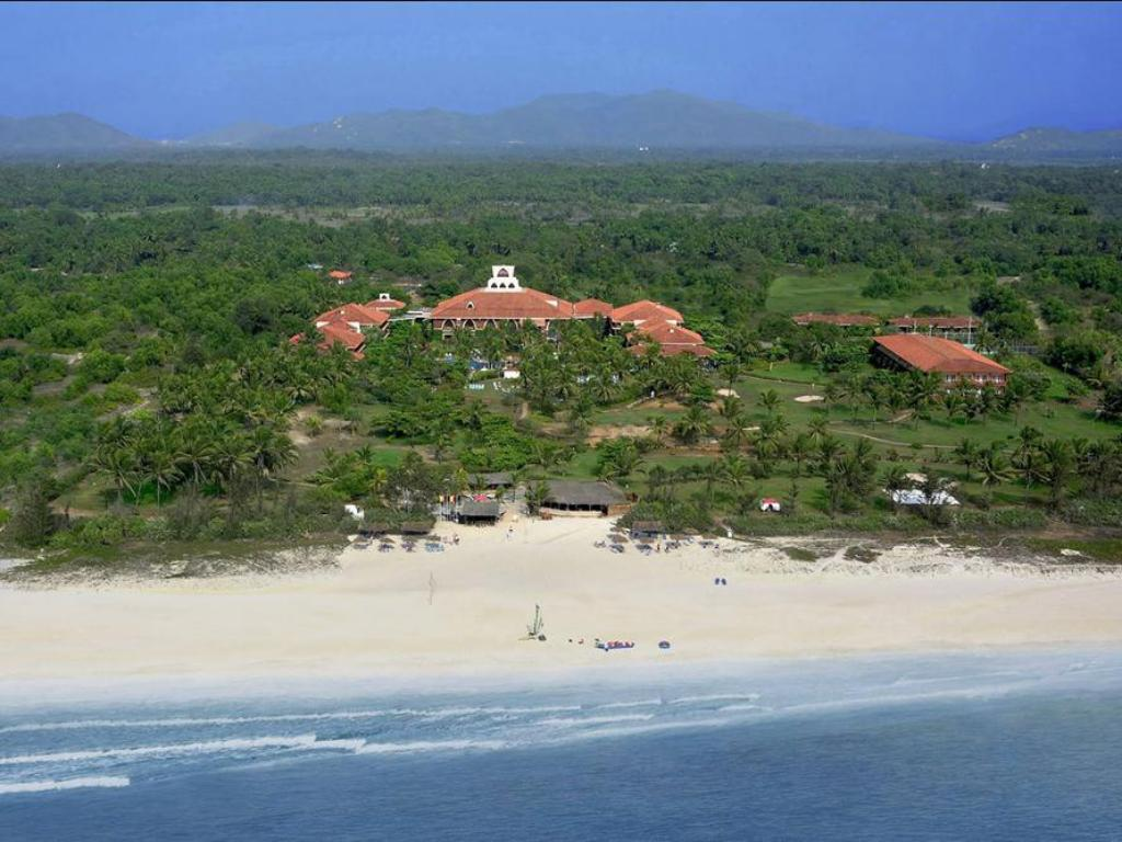 Caravela Beach Resort Goa Family Villa