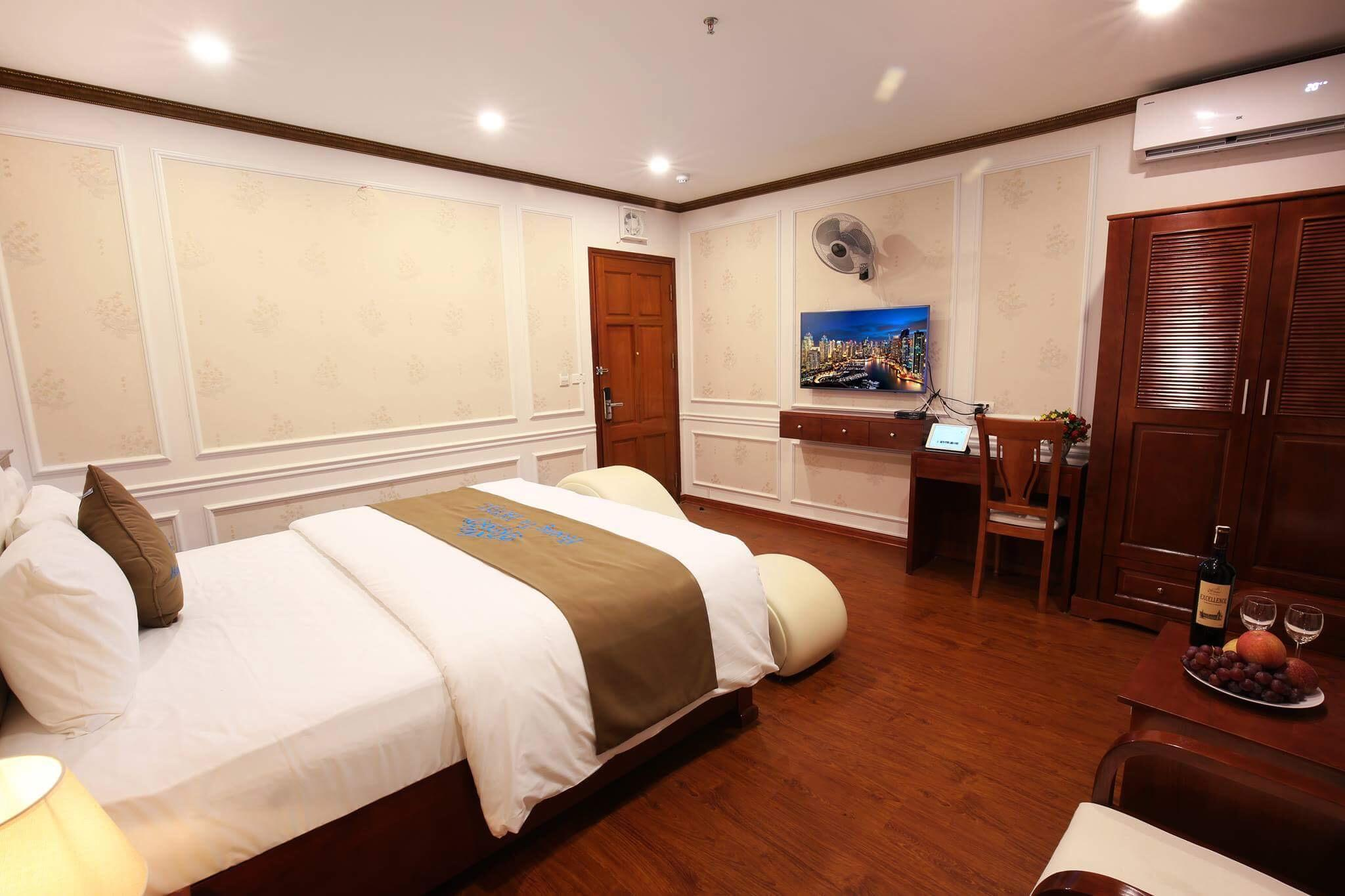 Hoang Tu Hotel, Cầu Giấy