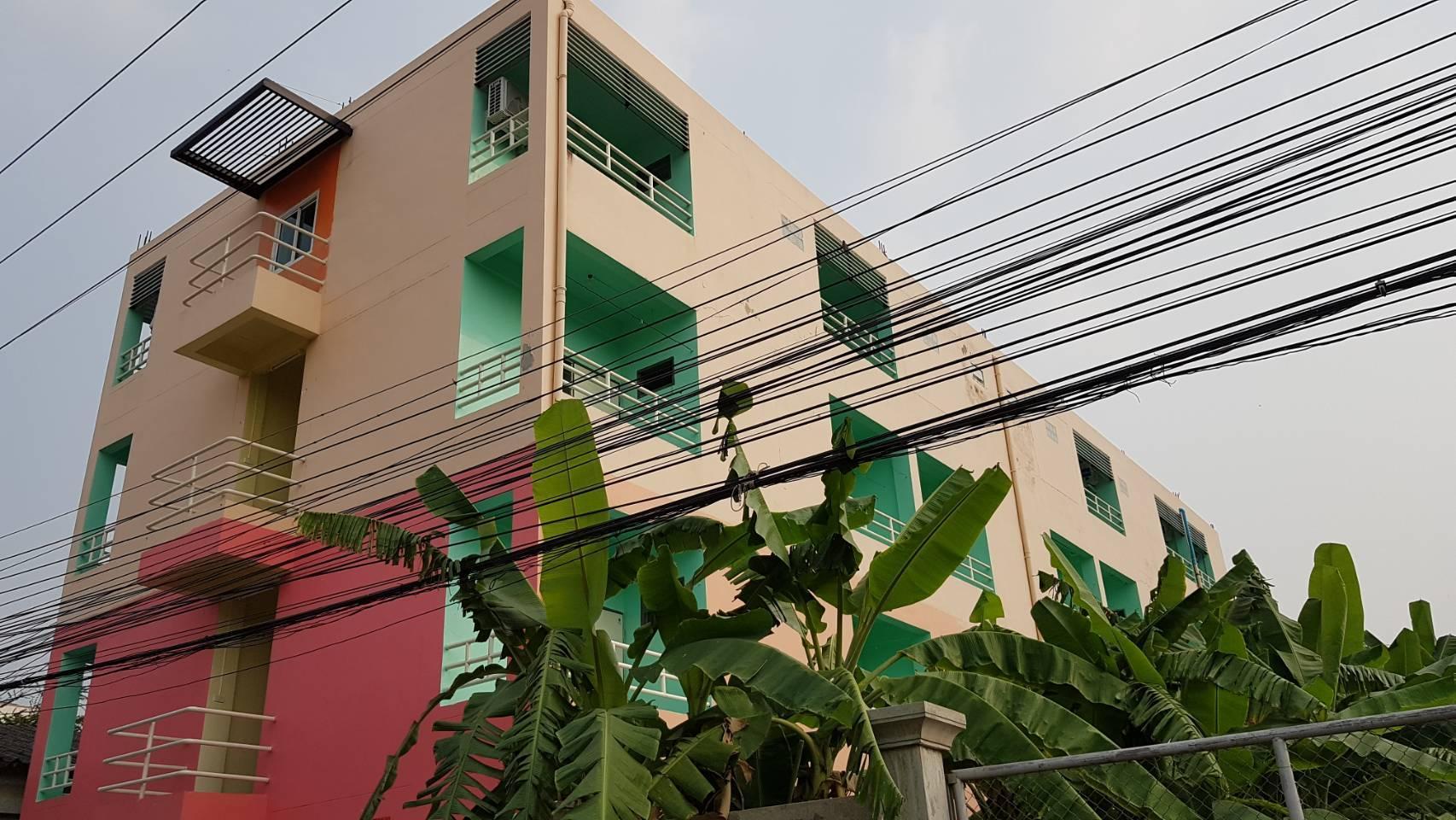 Double M, Khlong Luang