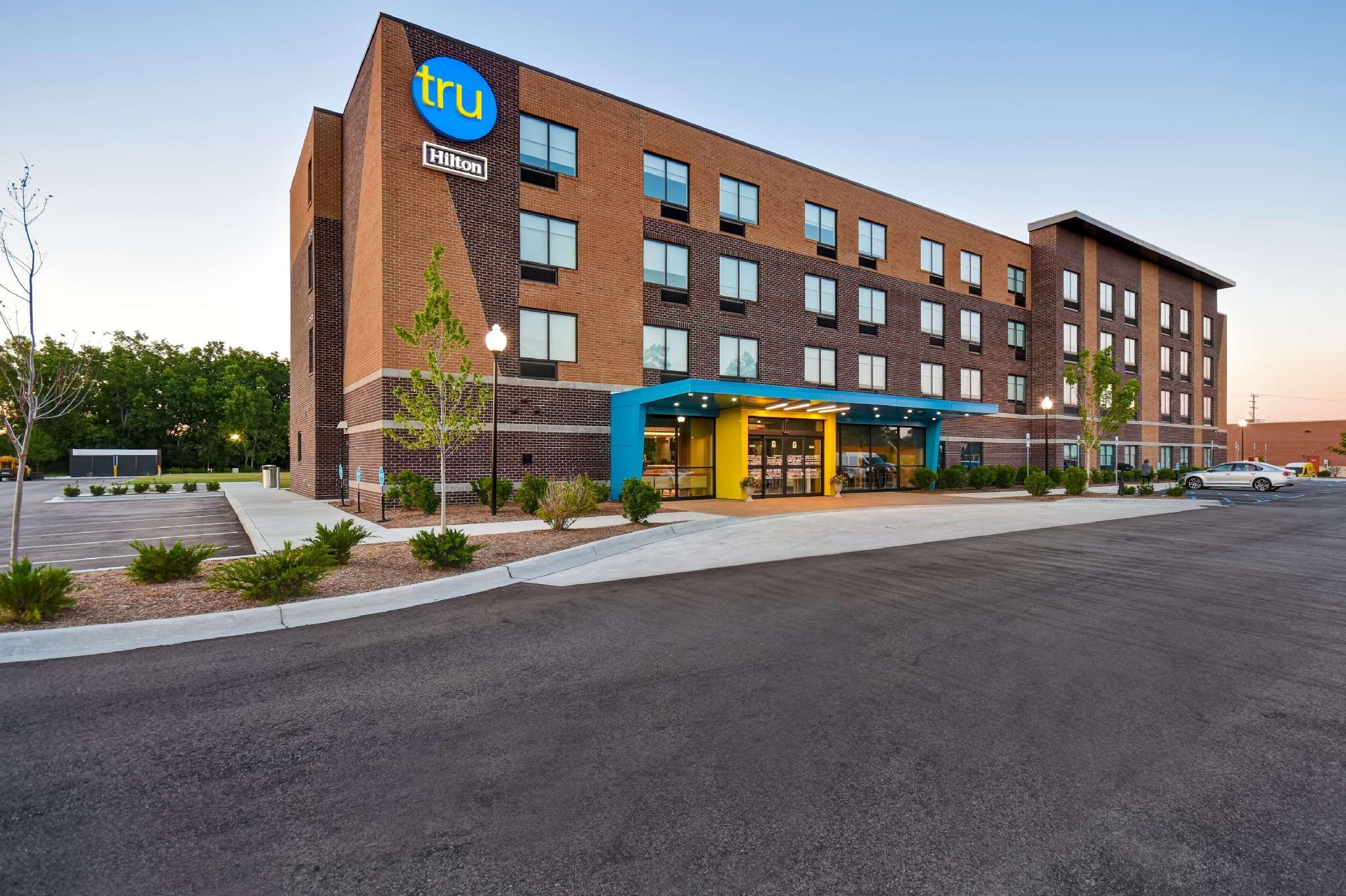 Tru by Hilton Sterling Heights Detroit, Macomb