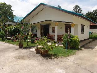 Ryans Resort, Phrasat