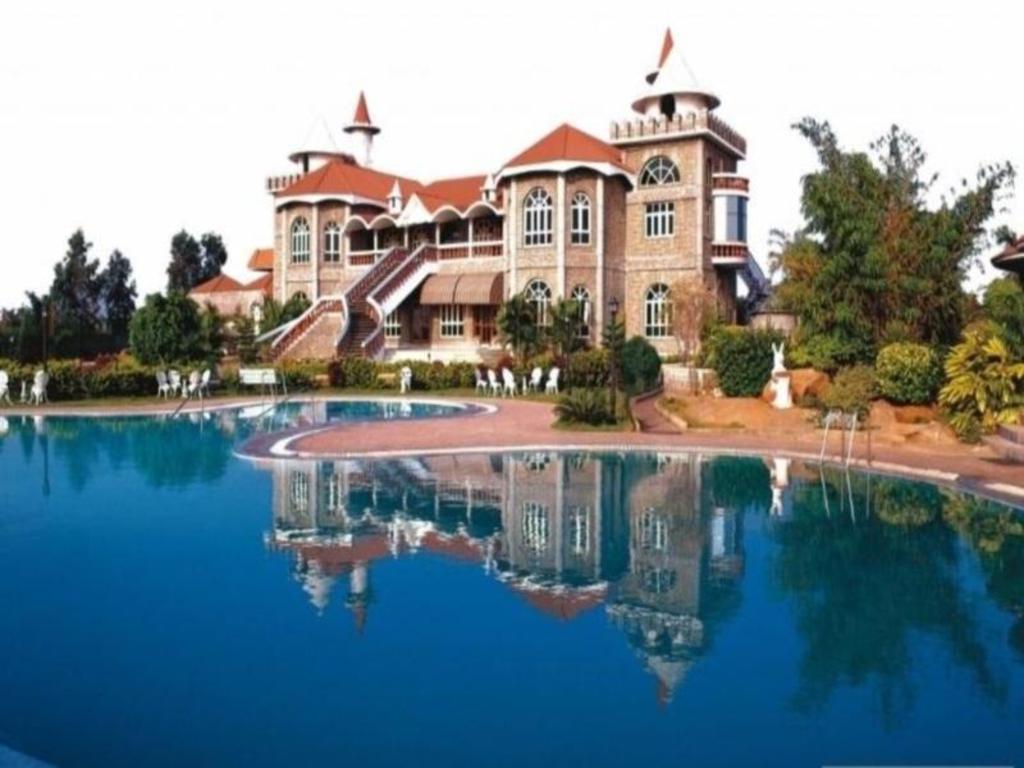 Celebrity Resort Chennai, Tambaram, India - Booking.com