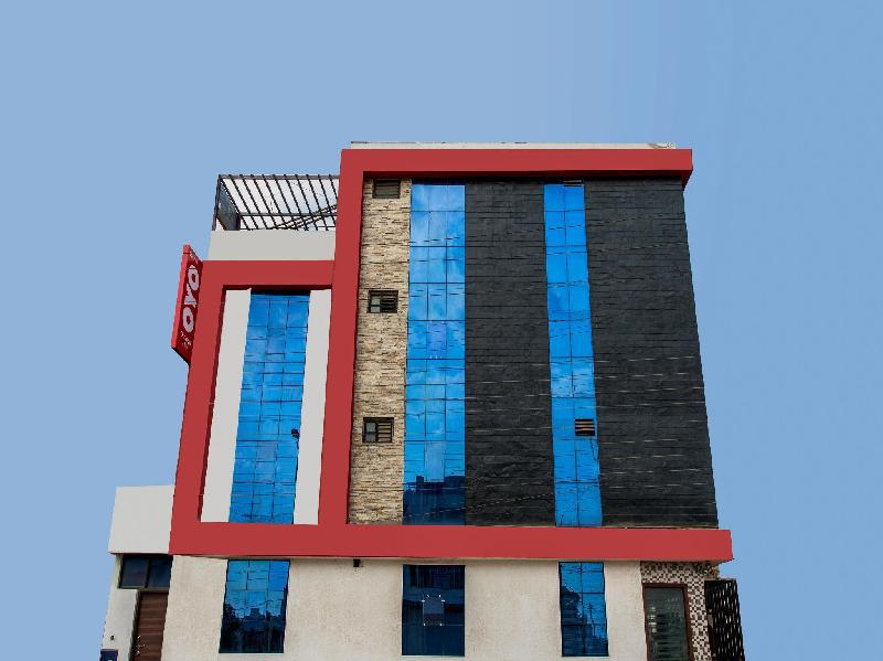OYO 5253 Hotel Orange Lily Indore in India