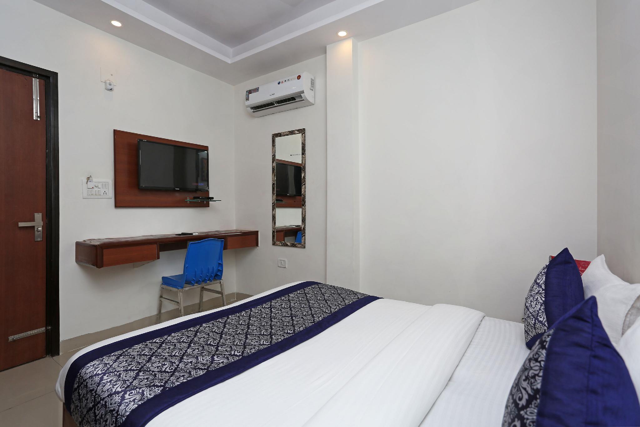 OYO 5434 Hotel Delhi Delight, West