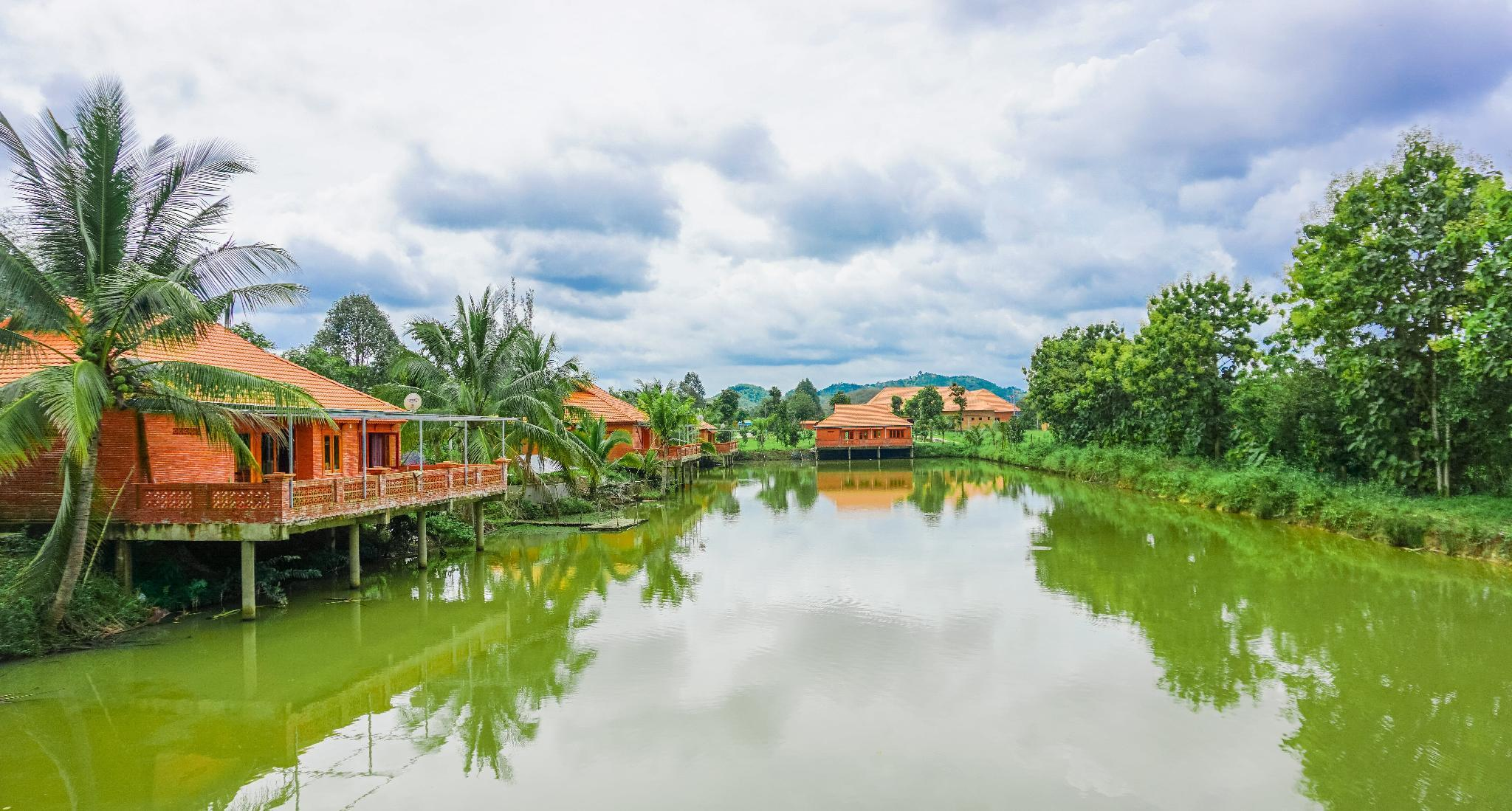 Orchard Home Resort Nam Cat Tien, Tân Phú