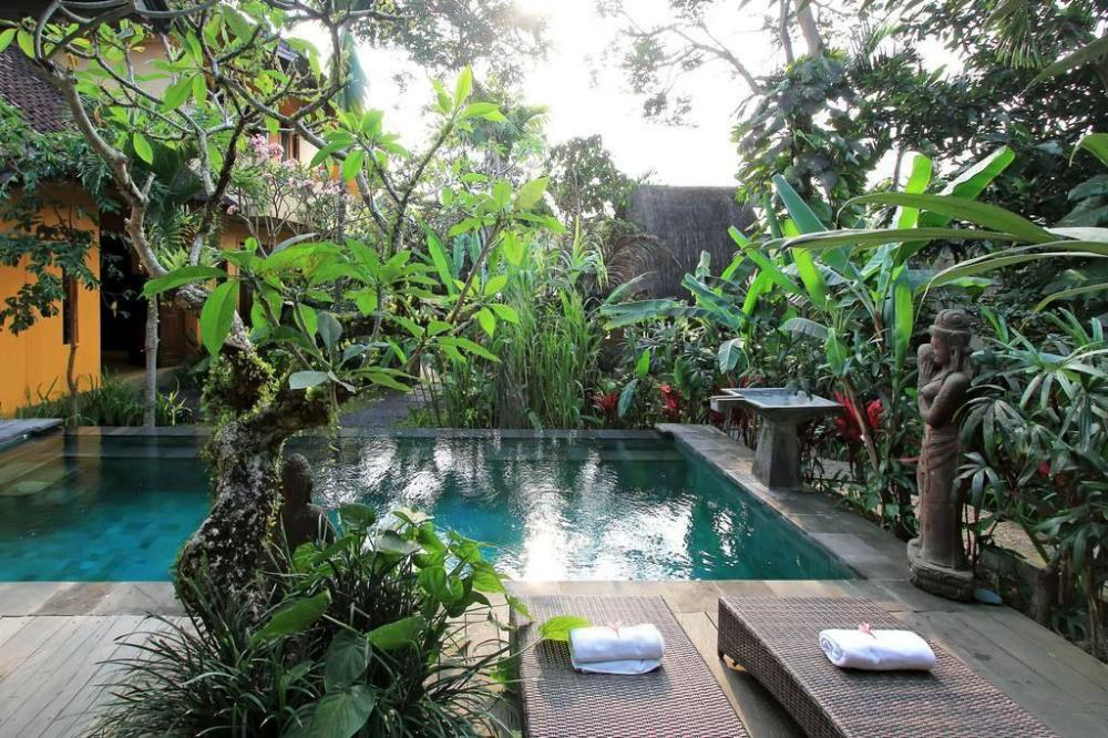 Lovely Two Bedrooms Balinese House with Pool