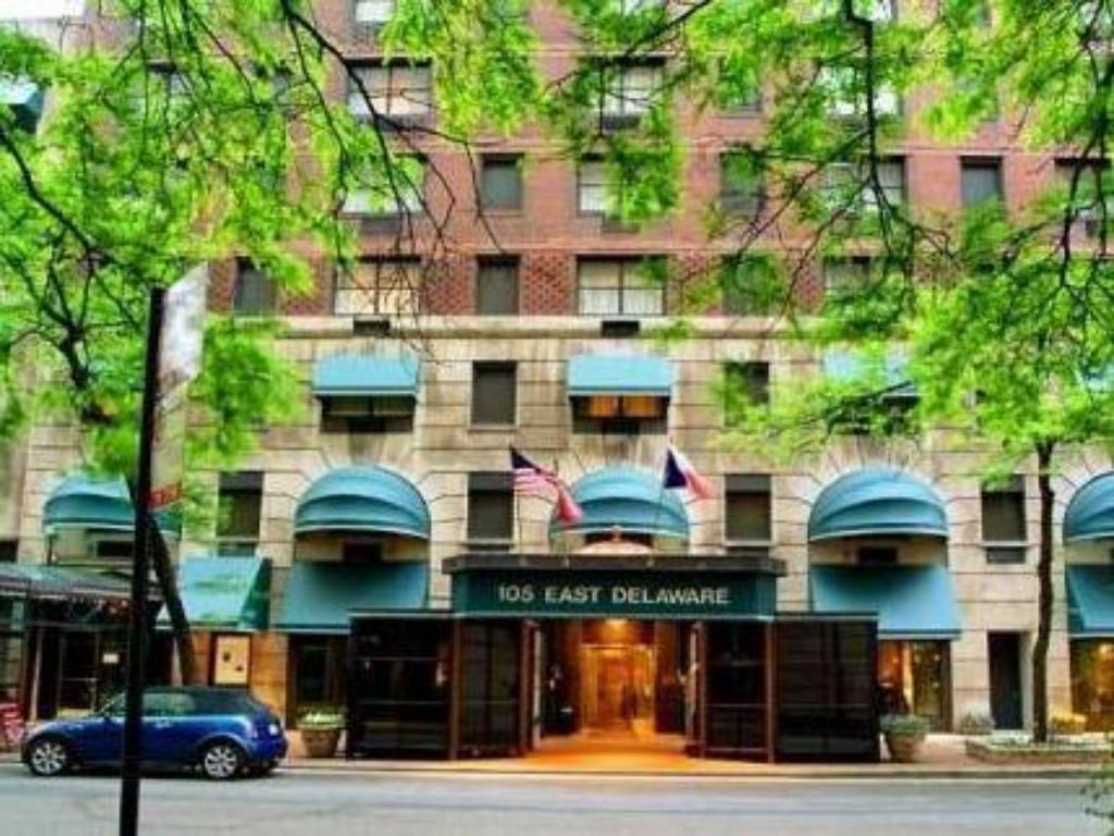 Best price on the whitehall hotel in chicago il reviews for Whitehall hotel chicago